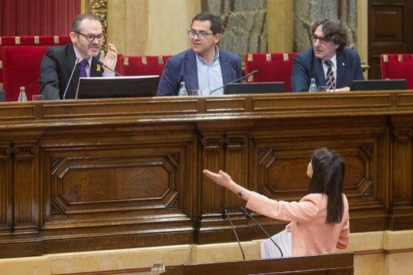 Arrimadas recrimina a Josep Costa haberle interrumpido.