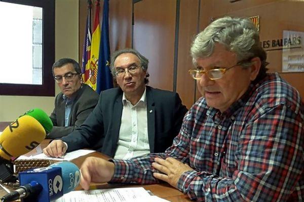 Antoni Morante, Martí March y Pere Moyà durante una rueda de prensa.