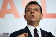 Ekrem</HIT> <HIT>Imamoglu</HIT>, socialdemócrata opositor Partido Popular Republicano (CHP), se declara ganador en la alcaldía de Estambul.