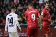 Benzema y Bale, en Mestalla.