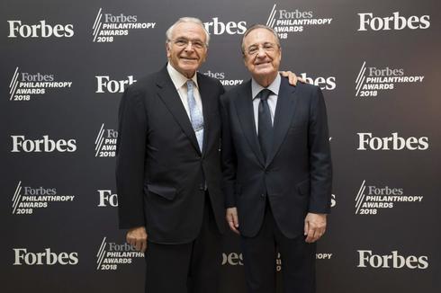 """En la entrega de los Premio Forbes a la Filantropía 2018. Isidro Fainé, presidente de la Fundación Bancaria """"la Caixa"""" y de CriteriaCaixa y  Florentino Pérez, presidente de ACS."""