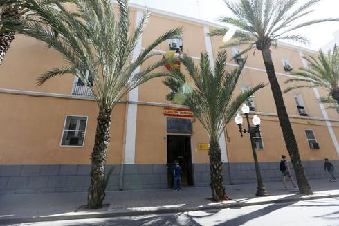 Edificio de la Comandancia de la Guardia Civil de Alicante.