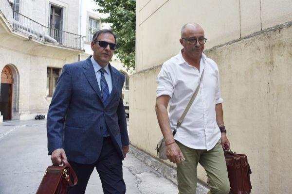 El juez Manuel Penalva y el fiscal Anticorrupción Miguel Ángel Subirán entrando a los Juzgados.