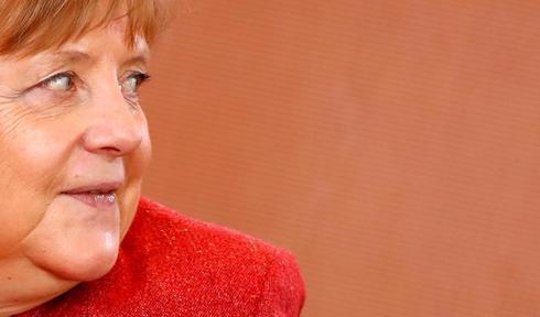 La canciller alemana, Angela Merkel, asiste a la reunión con su gabinete de Gobierno este miércoles en Berlín.