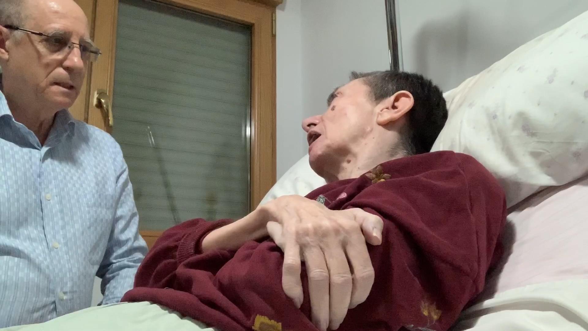 """El marido de María José Carrasco antes de ayudarla a morir: """"Esto lo tenía que hacer un médico, tenía que estar la eutanasia aprobada"""""""