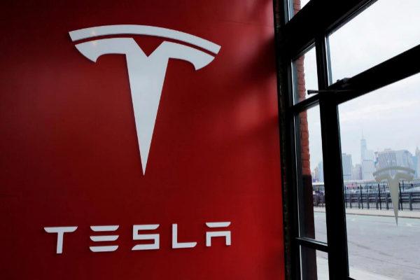 Tesla vuelve a decepcionar con las entregas de coches