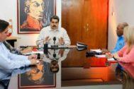 Nicolás Maduro reunido con miembros de su gabinete.