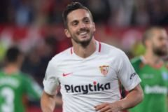 El Sevilla se aferra a sus esperanzas ante el Alavés (2-0)