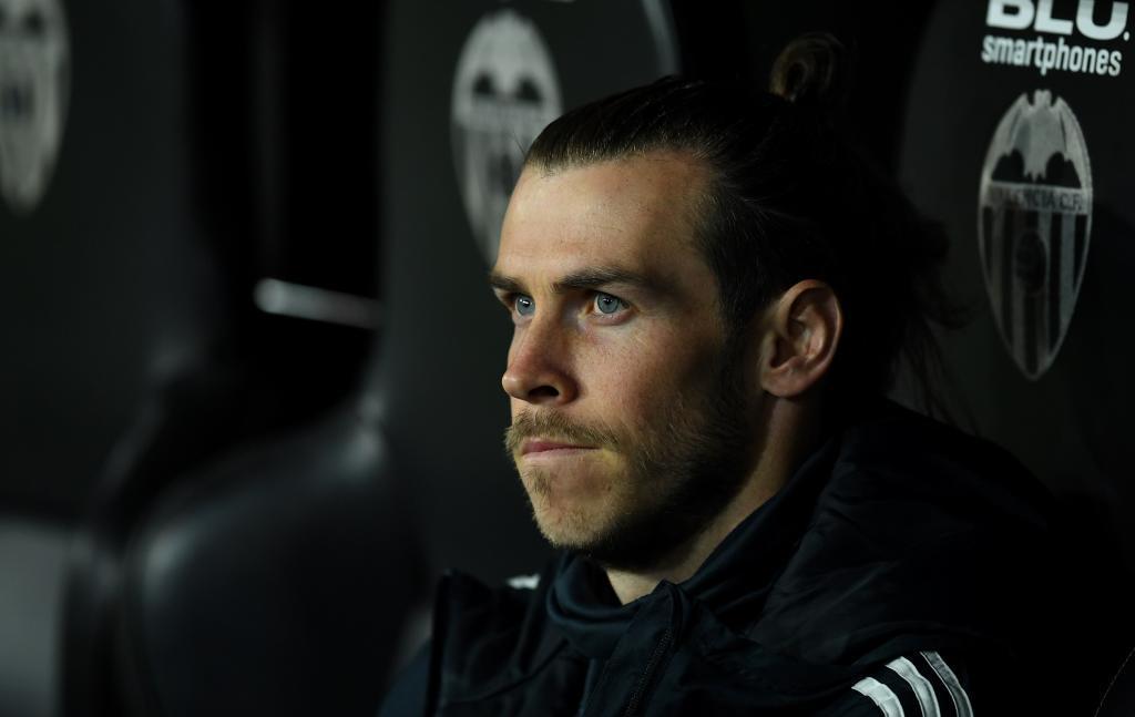 Gareth Bale, en el banquillo de Mestalla.