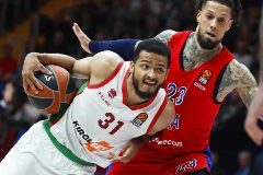 El Baskonia, en los 'playoffs' pese a perder en Moscú
