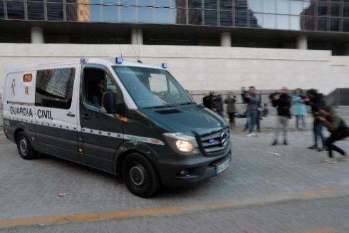 El furgón de la Guardia Civil donde fue trasladado José María Corbín a la prisión de Picassent.