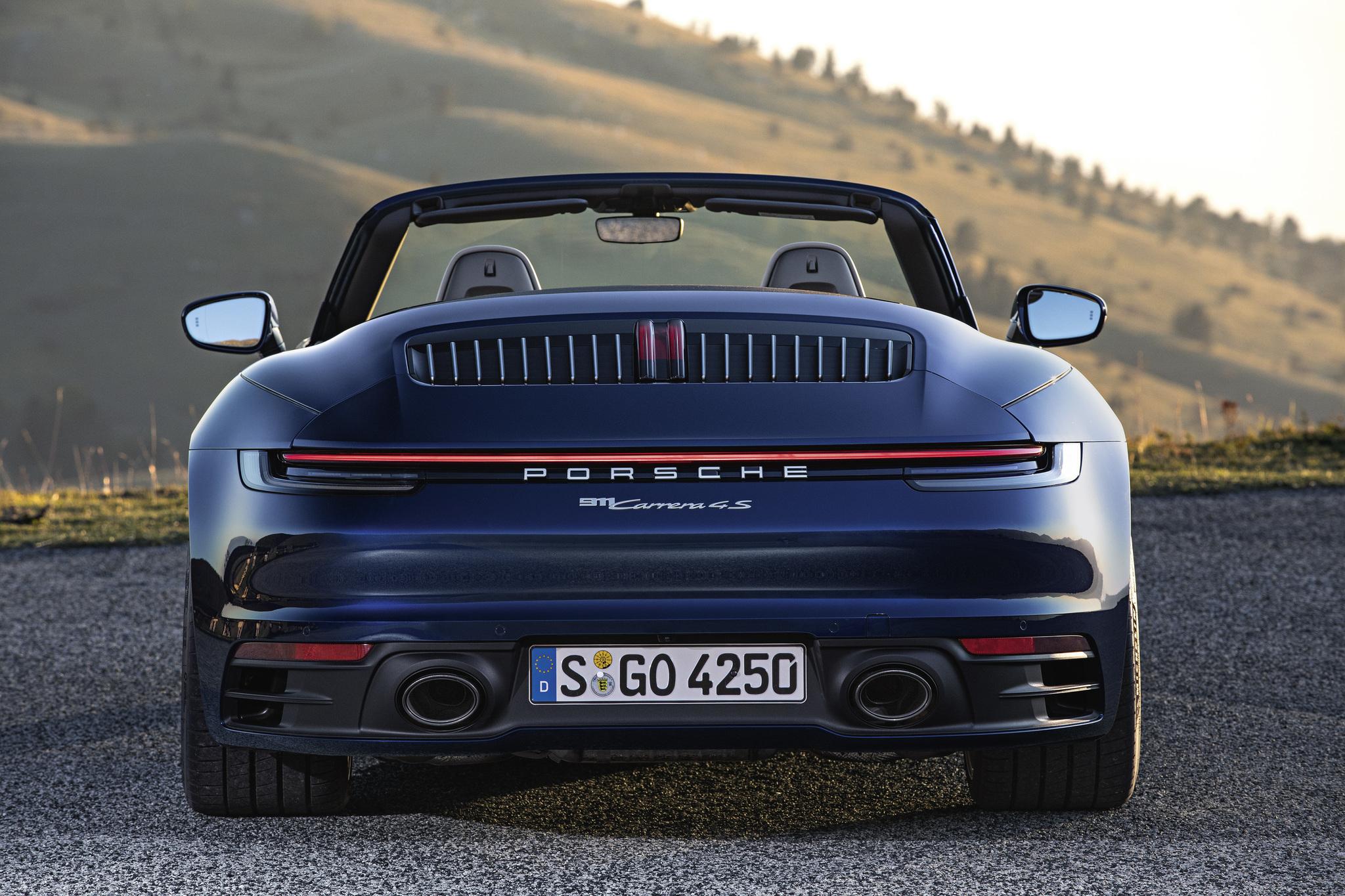 70b79cc98402 Tampoco gusta a muchos fanáticos del 911 que se utilice un cuadro de  instrumentos digital