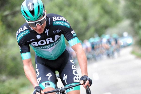 Kennaugh, durante una carrera con el equipo Bora-Hansgrohe.