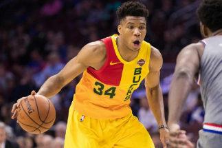 Antetokounmpo aniquila a los Sixers: los Bucks, con ventaja de campo en los playoffs