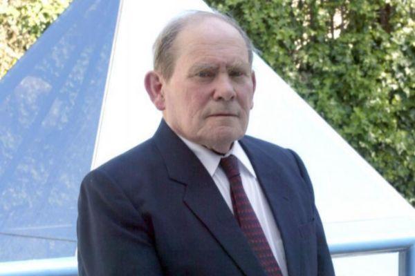 En 2002, Brenner recibió el Premio Nobel de Medicina en 2002.