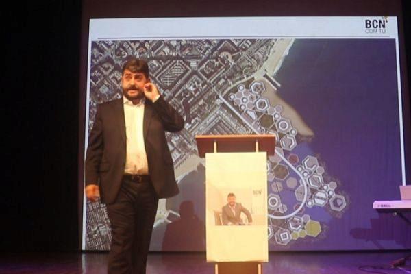 Vosseler durante la presentación de su proyecto para la ciudad