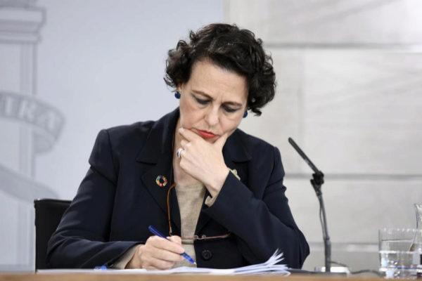 La ministra de Trabajo, Magdalena Valerio, este viernes tras el Consejo de Ministros.