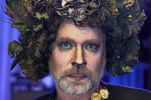 Rufus, disfrazado en una gala benéfica contra el sida en Viena.