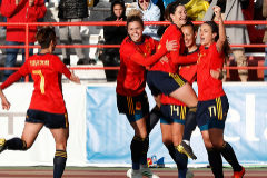 España presenta su candidatura al Mundial con un triunfo histórico ante Brasil