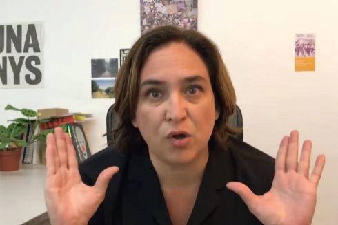 La alcaldesa de Barcelona, Ada Colau, en una de sus intervenciones en Youtube.