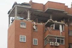Una explosión de gas destroza un piso en Puente de Vallecas