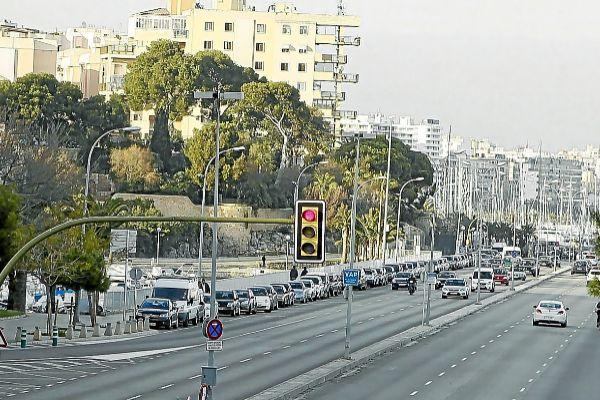 El Paseo Marítimo a día de hoy. Con la reforma los carriles se reducirán de tres a dos para cada sentido.