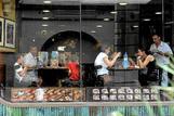 Un establecimiento de comida rápida en Barcelona.