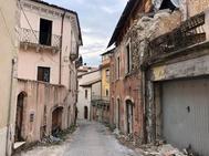 GRAF5790. <HIT>L'AQUILA</HIT> (ITALIA).- Vista de una calle de L'<HIT>Aquila</HIT>, capital de la región italiana de Abruzos, diez años después del terremoto de 2009 en el que 309 personas perdieron la vida. A las 3.32 de la madrugada del 6 de abril de 2009 todo se desgarró en L'<HIT>Aquila</HIT>: la ciudad y las vidas de 72.000 personas. Un terremoto la devastó, provocó 309 muertos e infligió unas heridas que, diez años después, siguen abiertas.