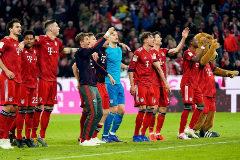 El Bayern aplasta al Dortmund y le arrebata el liderato