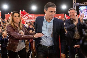 Pedro Sánchez y Susana Díaz, durante el acto del PSOE en Sevilla