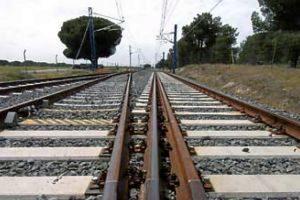 Raíles en una línea férrea de la Comunidad Valenciana.