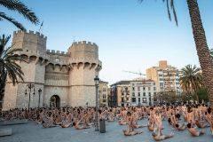 Un momento de la 'performance' de Spencer Tunick en Valencia.