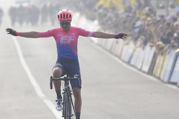 JW01. Oudenaard (Belgium).- Italian Alberto <HIT>Bettiol</HIT> of EF Education First Pro Cycling celebrates as he crosses the finish line to win the 103rd edition of the 'Ronde van Vlaanderen - Tour des Flandres - Tour of Flanders' one day cycling race, 270,1km from Antwerp to Oudenaarde, Belgium, 07 April 2019. (Ciclismo, Bélgica, Amberes) EPA/