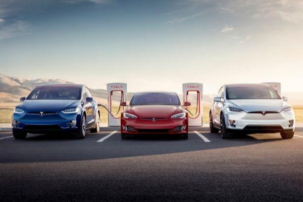 FCA pagará a Tesla para incorporar su flota y rebajar las emisiones medias de CO2