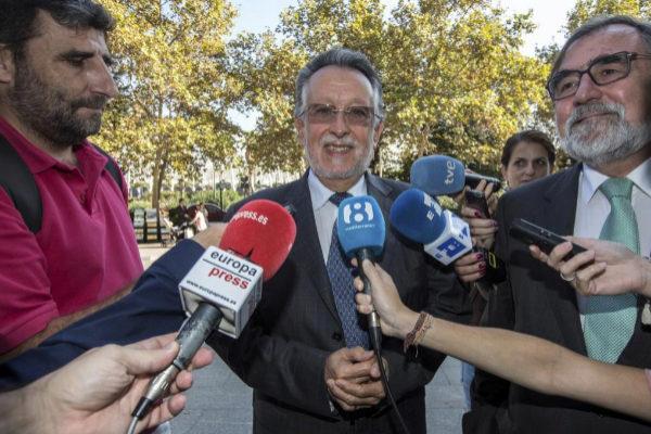 El ex vicealcalde de Valencia, Alfonso Grau, declara como investigado por cohecho.