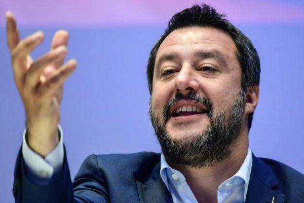 Matteo Salvini, líder de la Liga, durante la presentación de la alianza de partidos ultra en Milán.