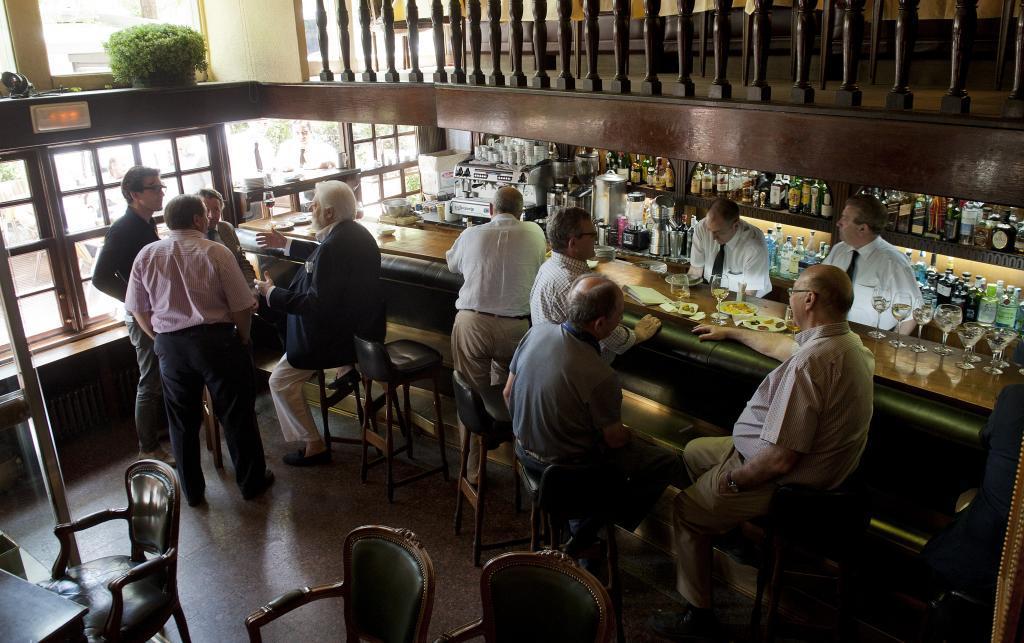 Interior del bar Richelieu.