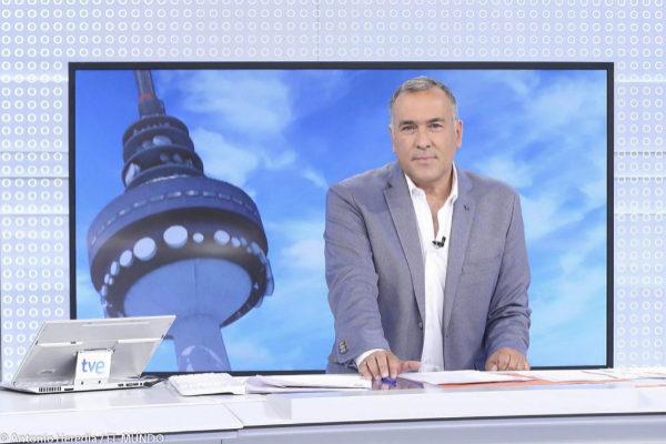 El periodista Xabier Fortes, director y presentador de 'Los desayunos de TVE'.