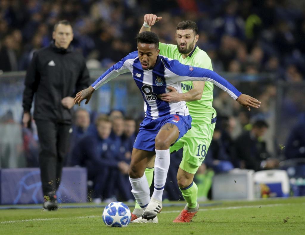 Soccer Football - Champions League - Group Stage - Group D - FC Porto v Schalke 04 - Estadio do Dragao, Porto, Portugal - November 28, 2018 FC Porto's Eder <HIT>Militao</HIT> in action with Schalke's Daniel Caligiuri REUTERS/Miguel Vidal - RC11B6F1A810