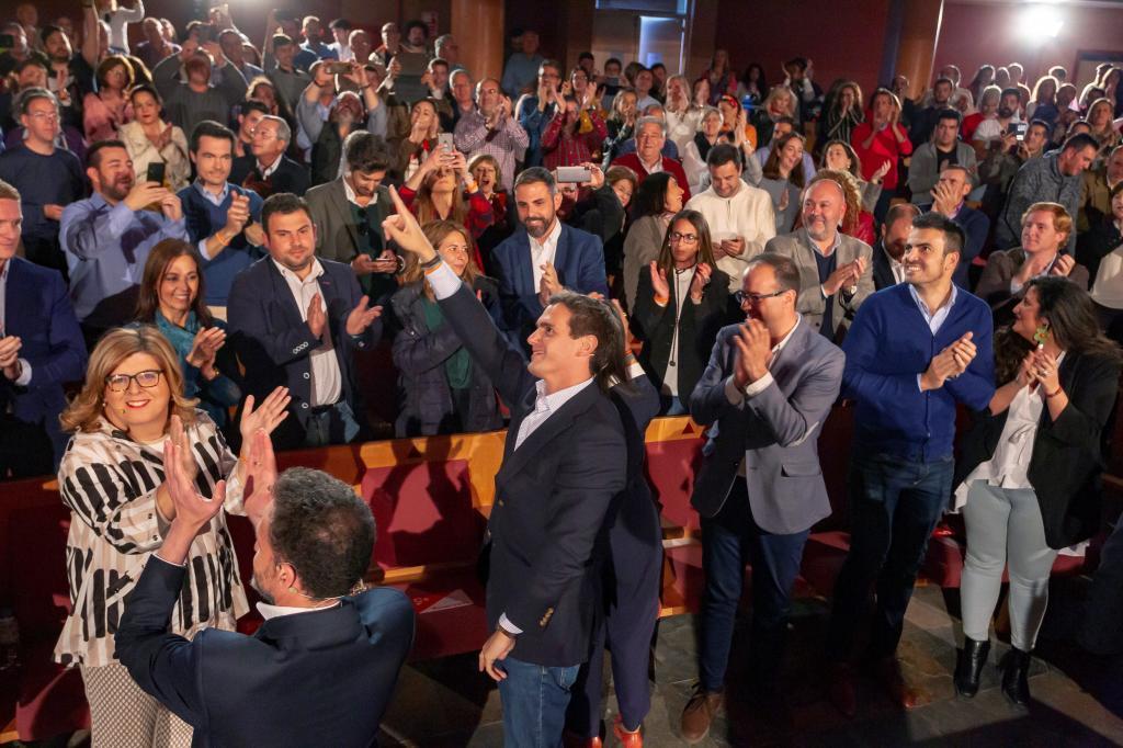 Acto de Ciudadanos en Mérida (Cáceres).