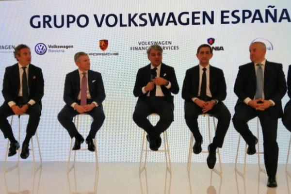 """El Grupo Volkswagen invertirá """"miles de millones de euros en España"""""""