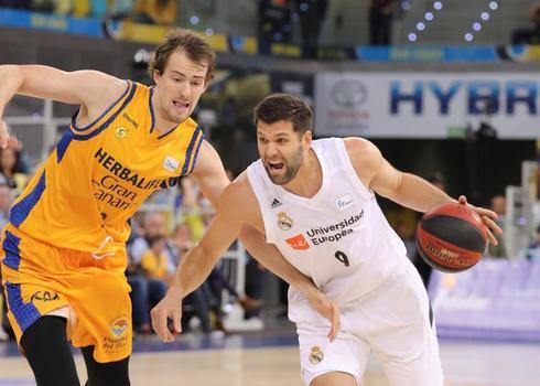 Felipe< Reyes, durante el partido contra el Gran Canaria.