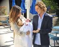 David Bisbal y Elena Tablada durante la presentación de su hija Ella en febrero de 2010 en Miami, EE.UU.