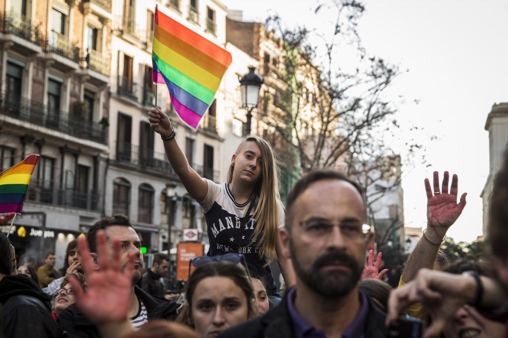 Concentración contra la homofobia en Madrid.
