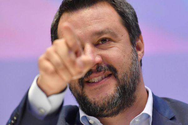 El vicepresidente italiano, ministro del Interior y líder de la...