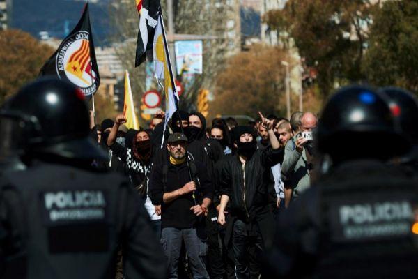Agentes de la Brimo durante las protestas contra Vox el pasado 30 de marzo