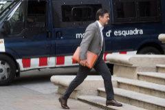 GRAF5912. BARCELONA (ESPAÑA), 24/07/2018.- El exdirigente de CDC <HIT>Oriol</HIT> <HIT>Pujol</HIT>, a su llegada esta mañana a la Audiencia de Barcelona para ratificar ante la juez el acuerdo que firmó con la Fiscalía, en el que acepta una condena de dos años y medio de cárcel por cobrar comisiones ilegales de empresarios afines del sector de las ITV. EFE/Marta Pérez