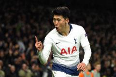 Heung-Min Son celebra el único tanto del partido.