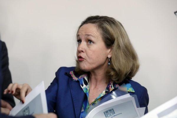 La ministra de Economía, Nadia Calviño.
