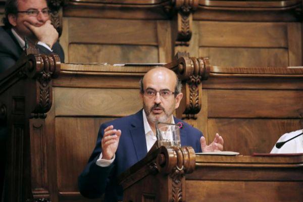El concejal del PP, Javier Mulleras, en un pleno de Barcelona.